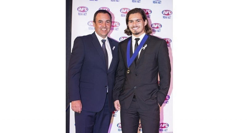 Pennant Hills young-gun De Vries brings home the Kealy Medal.